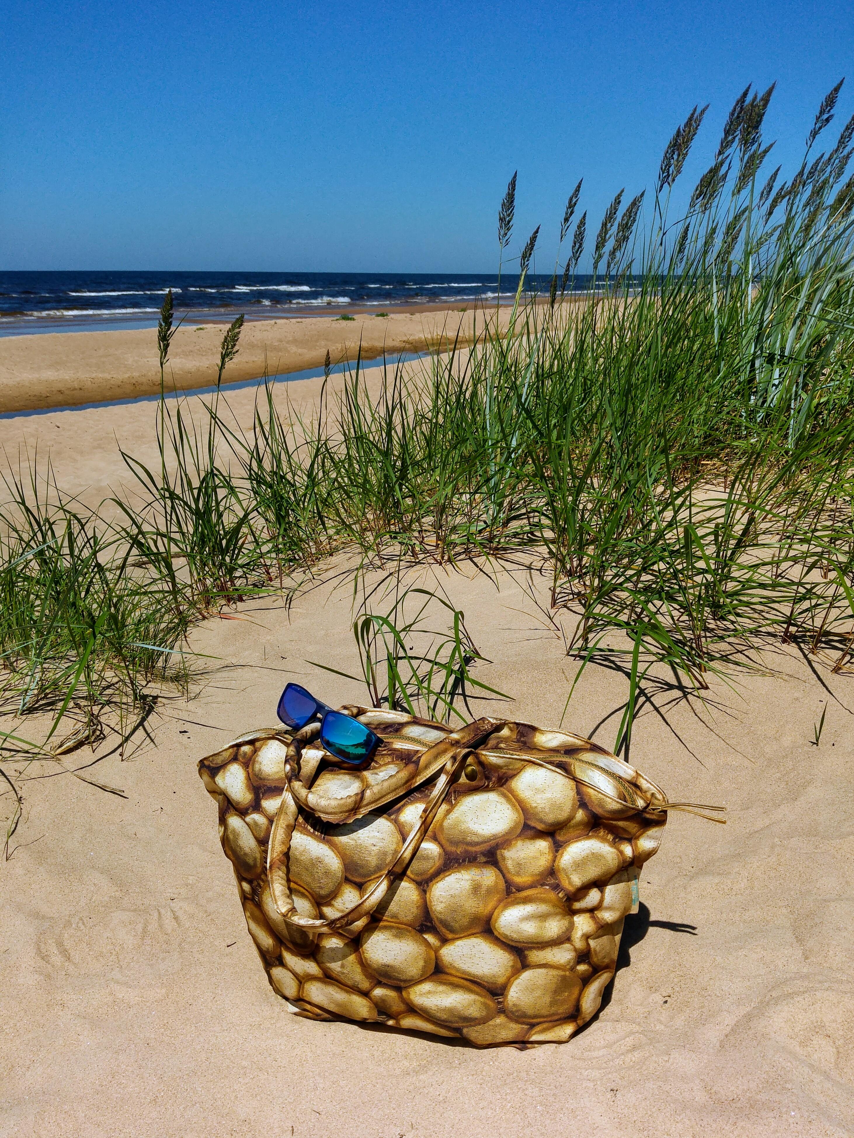 Lightness, golden bag, by Liivi Leppik