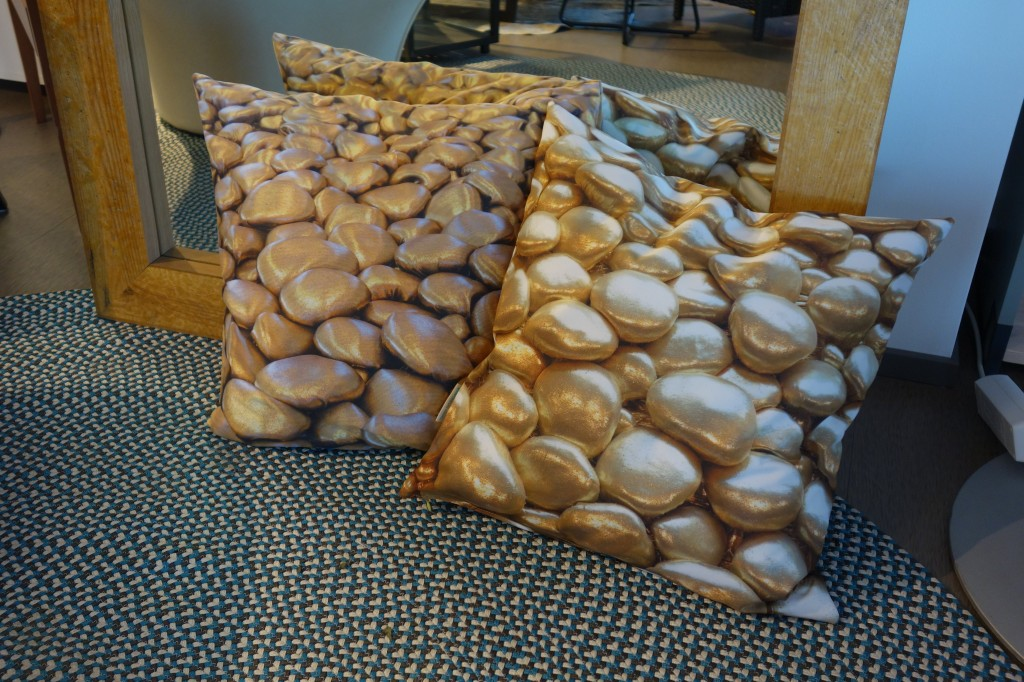 3D Textile Stones/Decorative by Liivi Leppik